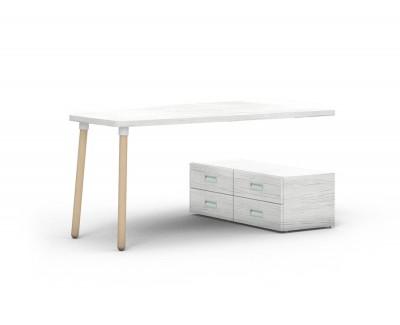Bureau avec quatre tiroirs