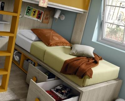 Chambre ado avec lit superposé et armoire à portes battantes